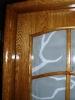 usa placata cu elemente din masiv stejar nuanta stejar antic geam decorativ toc semirotund detalii